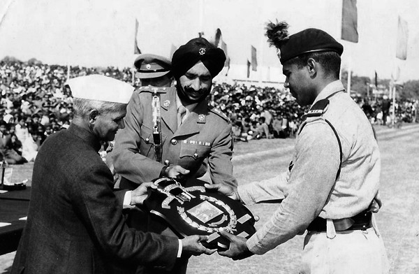Image result for lal bahadur shastri ji with military